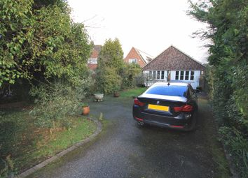 Thumbnail 2 bed bungalow to rent in Rosslyn Road, Billericay