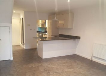 Thumbnail Town house to rent in Mount Avenue, Ealing, London