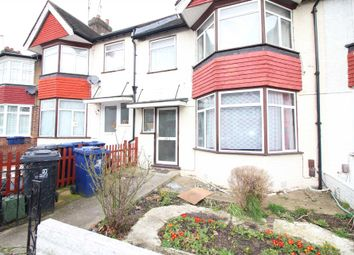 4 bed property to rent in Court Way, London W3