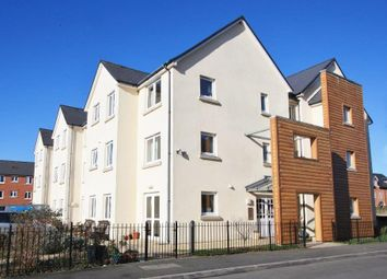 Thumbnail 2 bed flat for sale in Hammond Close, Highworth