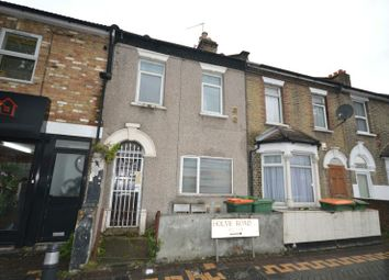 Thumbnail 1 bedroom flat for sale in Holme Road, London