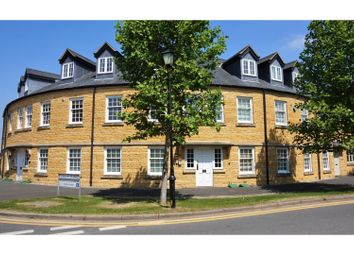 Thumbnail 2 bed flat for sale in Gordon Close, Broadway