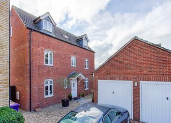 Thumbnail 4 bed detached house for sale in Mendip Way, Stevenage