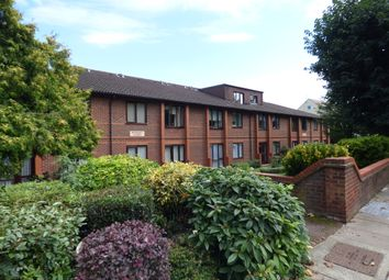 Thumbnail 1 bed flat to rent in Park Avenue, Enfield