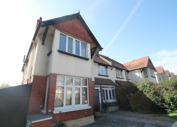 3 bed flat to rent in New Church Road, Hove BN3