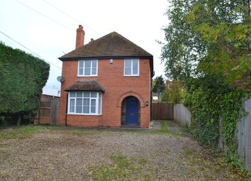Thumbnail 3 bed detached house to rent in London Road, Thatcham
