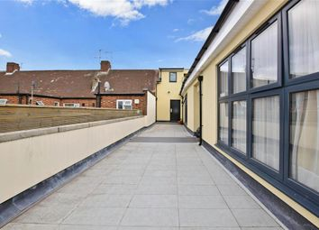 High Street, Barkingside, Ilford, Essex IG6. 2 bed flat