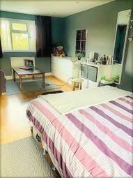 Room to rent in York Road, London N18