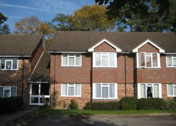 Thumbnail 1 bed flat to rent in Trimmers Field, Farnham