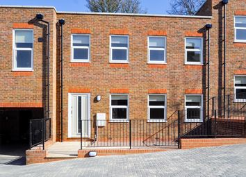 2 bed property to rent in Crown Mews, Dunstable LU6