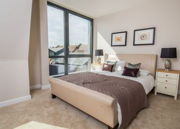 Thumbnail 3 bed town house for sale in Layton Road, Brentford