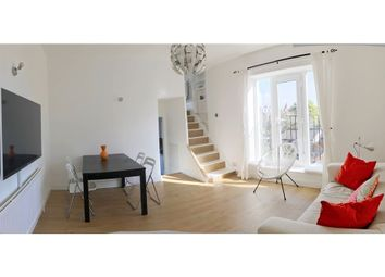 Thumbnail 1 bed flat to rent in Acacia Road, London