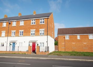 Thumbnail 3 bed town house for sale in Queen Elizabeth Drive, Taw Hill, Swindon