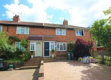 Thumbnail 2 bed cottage for sale in Beechen Lane, Lower Kingswood, Tadworth