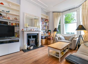 2 bed maisonette to rent in Lavender Sweep, London SW11