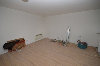 Thumbnail 2 bed flat to rent in The Broadway, Crawley, West Sussex