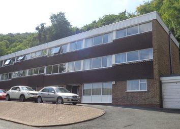 2 bed flat to rent in Holywell Road, Malvern WR14