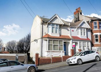Thumbnail 2 bed flat to rent in Belle Vue Gardens, Brighton