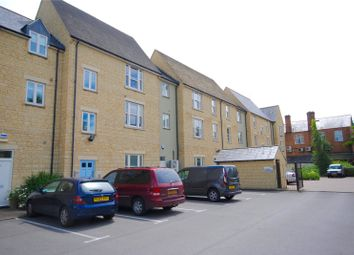 Thumbnail 1 bed flat to rent in Mill Walk, Witney, Oxfordshire