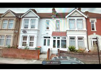 1 bed flat to rent in Clarendon Road, London E11