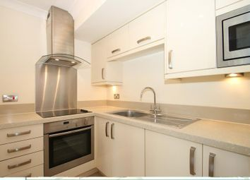 1 bed flat to rent in Old Woking Road, West Byfleet KT14