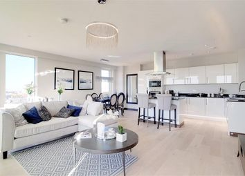 3 bed flat for sale in Telcon Way, Greenwich, London SE10