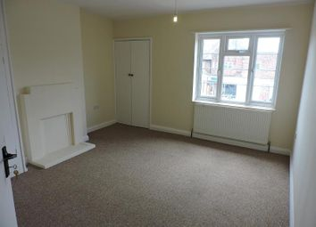 Thumbnail 2 bedroom flat to rent in Queens Parade, Hove