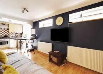 Thumbnail 2 bed flat to rent in Marlborough Road, London
