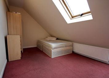 Thumbnail Room to rent in Wood Lane, Isleworth
