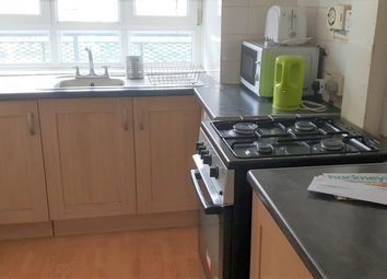 Thumbnail 3 bed flat to rent in Stanway Street, Hoxton/Shoreditch