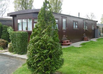 Thumbnail 2 bed mobile/park home for sale in 20 Alpine Crescent, The Elms, Torksey, Lincoln, Lincolnshire