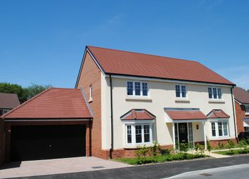 Thumbnail 4 bed detached house to rent in De Montfort Square, Odiham