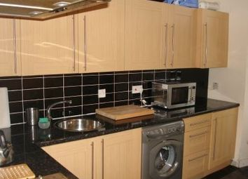 Thumbnail 1 bed flat to rent in Cathcart Road Cathcart Glasgow, Glasgow