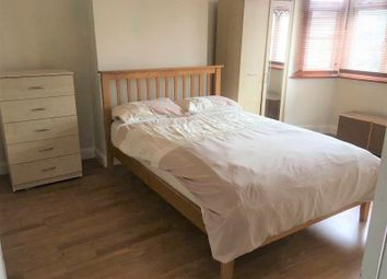 Thumbnail Room to rent in Rowantree Close, London