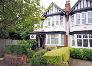 Thumbnail 3 bedroom flat for sale in Clifton Avenue, Finchley