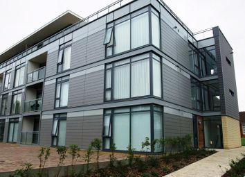 Thumbnail 2 bed flat to rent in Lemsford Road, St.Albans