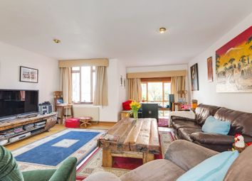 Thumbnail 4 bedroom flat to rent in Castellain Road, London