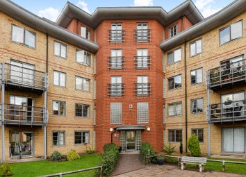 Thumbnail 2 bedroom flat for sale in Quadrant Court, Jubilee Square, Reading