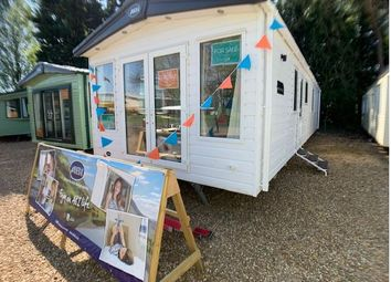 Thumbnail 2 bed property for sale in Billing Aquadrome Holiday Park, Northampton, Northamptonshire