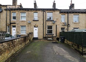 2 bed property to rent in Oak Street, Elland HX5