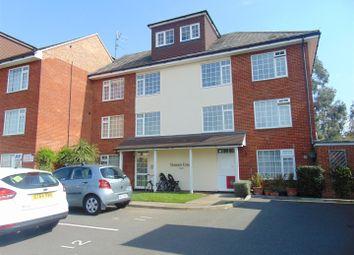 Thumbnail 2 bedroom flat to rent in Masons Road, Burnham, Slough
