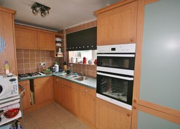 Thumbnail 3 bedroom detached house to rent in Bishopswood Road, Tadley