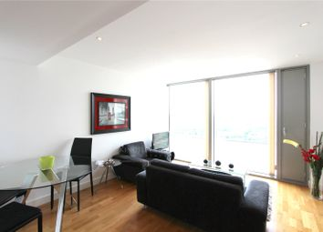 Thumbnail 1 bedroom flat to rent in Landmark East, Canary Wharf, London