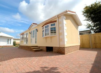 Thumbnail 2 bed mobile/park home for sale in Gracelands, Lyndhurst Road, Christchurch