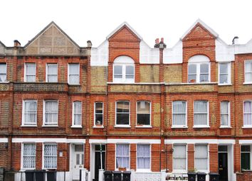 Thumbnail 3 bed flat to rent in Heyford Terrace, Vauxhall