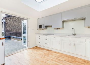 3 bed maisonette to rent in Beauclerc Road, London W6