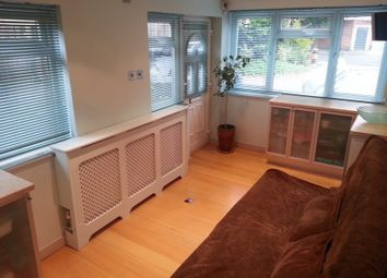 Thumbnail Room to rent in Poplar Road South, London