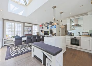 Thumbnail 2 bed flat to rent in Kensington And Chelsea, London