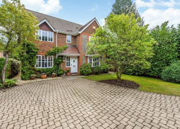 Dean Wood Close, Woodcote, Reading RG8. 4 bed detached house