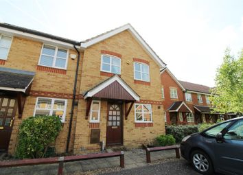 Thumbnail 3 bed town house to rent in Elliotts Way, Caversham, Reading